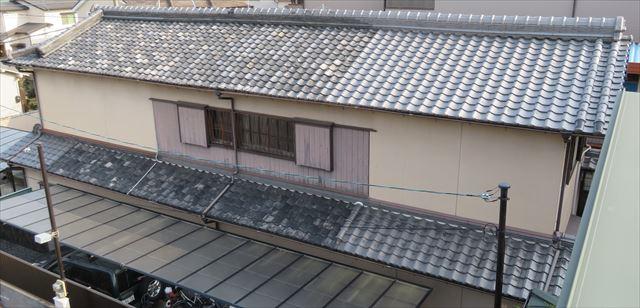 日本瓦葺の日本家屋