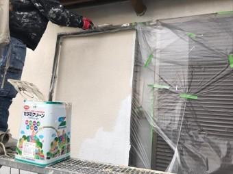 微弾性フィラーと同じ塗料メーカーであるエスケー化研の水性シリコン塗料「セラミクリーン」を使用