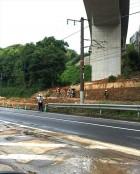 南海本線の橋梁を押し流し、近鉄沿線では土砂崩れが発生して、人々の交通インフラを直撃して、日常生活に大きな影響を与えました。