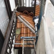 面戸の漆喰を塗りすぎると排水性能が落ちて棟の内部で雨水が滞留し雨漏りに発展する可能性が高く注意を要する