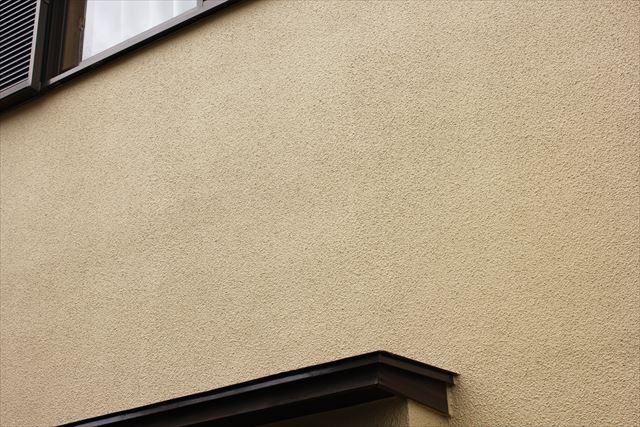モルタル外壁は表面仕上げの自由度が高く様々なデザインを表現できる