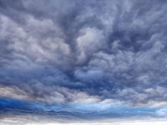 屋根に被害を及ぼす台風は秋に襲来することが多い