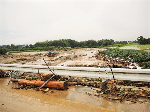 激しい雨が局地的に数時間以上続く場合、土砂災害や低地の浸水、河川の増水と氾濫に警戒が必要になります。