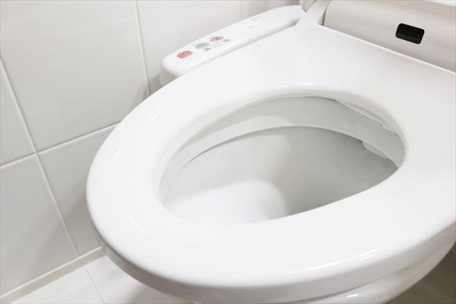 タイル仕上げのトイレは質感の高さだけではなく清掃が楽で衛生的である