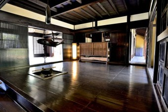 伝統的な日本家屋は徹底して雨漏り対処をしてきたので長持ちしている