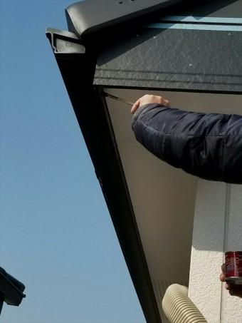 破風板とケイカル板のタッチアップ