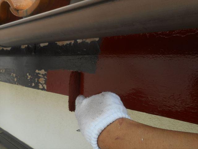 防腐効果が高い下塗り塗装をする鼻隠し板