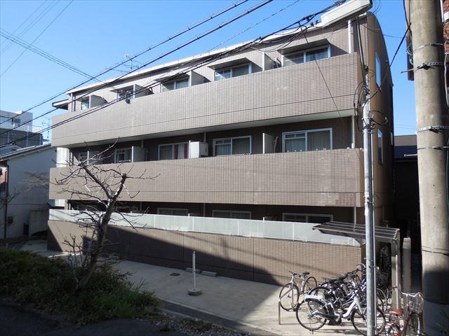 重量鉄骨造マンションの屋根がアスファルトシングル