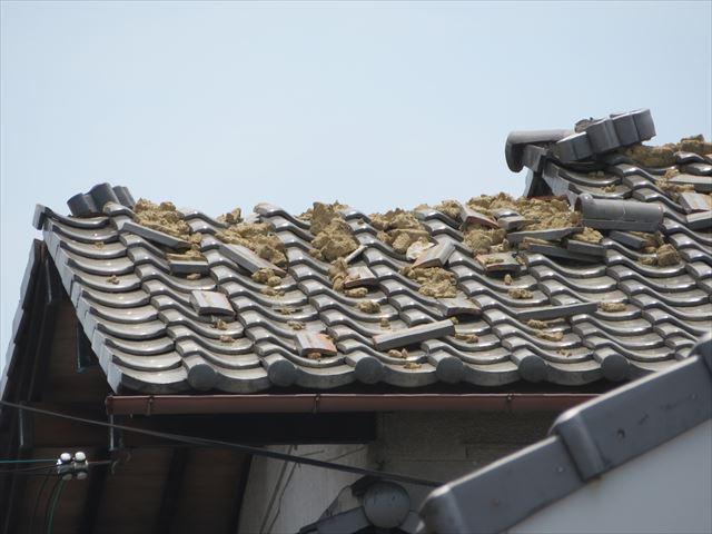 大阪北部地震の被害が出た瓦屋根の棟