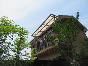 2階ベランダ屋根の波板交換は、最後の1枚の交換のために足場が必要になる場合が珍しくありません