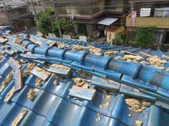 茨木市でも大阪北部地震は丹精込めて積み上げた大棟の瓦を容赦なく崩壊させた