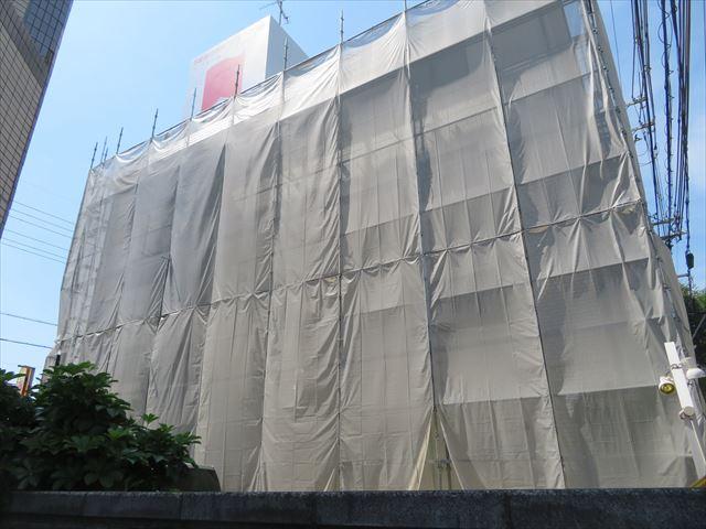 マンションの屋根にもカラーベストが葺かれることがある