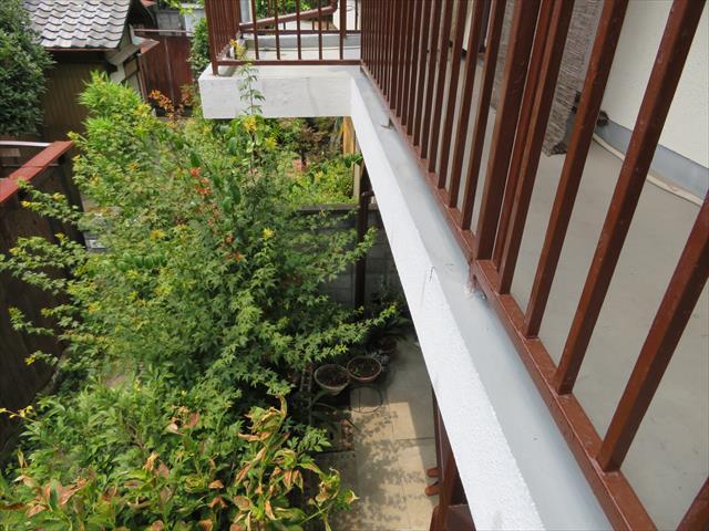 茨木市のベランダ防水工事は震災被害を受けた屋根外壁工事の一環