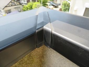 笠木の継ぎ目は雨水侵入箇所ですのでジョイント材が入っているかどうかが重要です