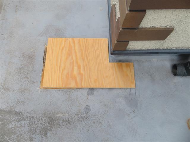 根太に載った構造用合板は、既存の合板と同じ強度を持ちます。