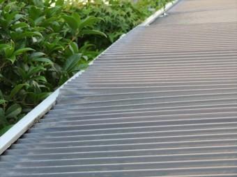 台風12号の強風は簡単に波板を浮き上がらせた