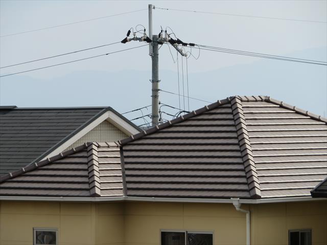 屋根の勾配は降ってくる雨水を速やかに流し落とし、雨漏りリスクを回避するために設けられた傾斜です
