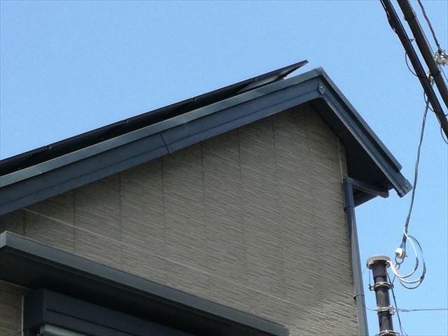 ガルバリウム鋼板の破風板は耐火性が抜群によく、軽くカバー工事も可能にします