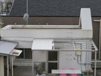 陸屋根屋上ペントハウスは地上よりも高い地にあるので揺れやすく地震の影響を受けやすい。