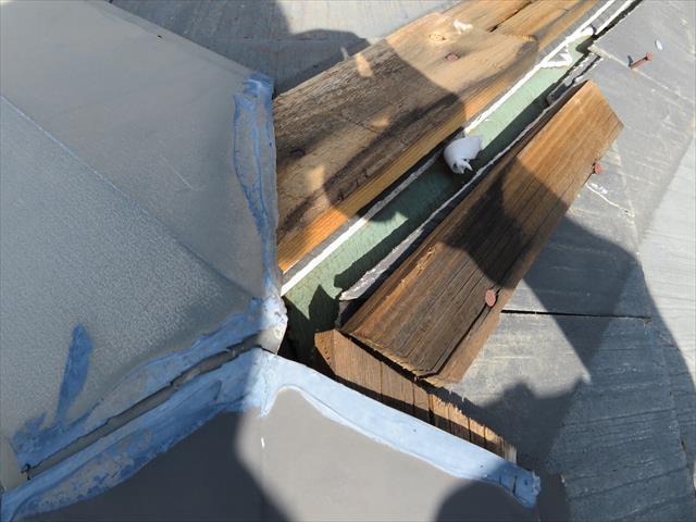 猪名川町で棟板金がなくなっているのに直っていないお宅は街の屋根やさん宝塚店にお問合せ下さい。即日調査に伺います。