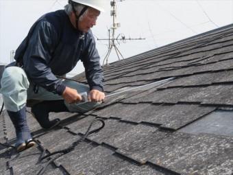 西宮市で屋根修理工事を担当する街の屋根やさん宝塚店の職人は大工歴50年の職歴から、内部漏水をしない屋根修理工事を行います。