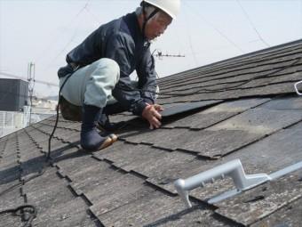 尼崎市のカラーベスト修理工事はベテラン大工が受け持ちますので、工事品質が高く安心して頂けると思います。