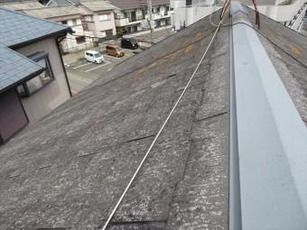 並勾配の長所は、「3寸以上あれば十分に雨漏りしにくい」「ほとんどの屋根材を採用することができる」「屋根材が豊富で色、形を選ぶ余地が大きい」「屋根工事費が廉価」が挙がります。