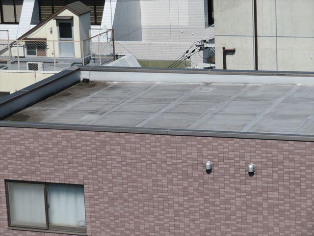 屋上も天端のひとつで、雨漏りしやすい場所は定期メンテナンスが欠かせない