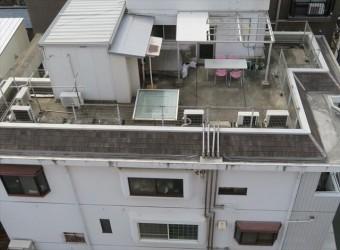 屋上のある陸屋根は防水工事を周期的に行う事で雨漏りを予防保全できる