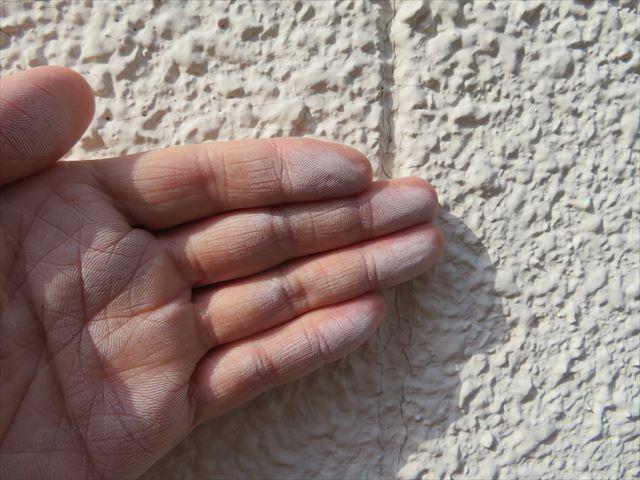 チョーキングが現れたら外壁塗装が必要な時期の指標