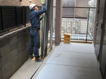 足場工事作業は上下に別れて進めると効率的