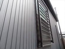サッシ窓の上端は雨漏り注意箇所のひとつ