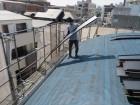 立平の重量は日本瓦の約10分の1と極めて軽く、建物への重量負荷、負担が少ないのが特徴。