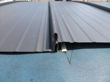 ガルバリウム鋼板屋根材立平333の上端の木口