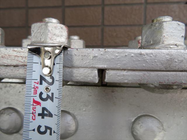 H型鋼の継ぎ目には30%以上厚い骨材で補強されている