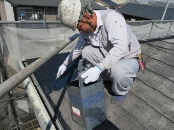 屋根に塗料を塗った瞬間から乾燥が始まるので湯気が立ち上ります