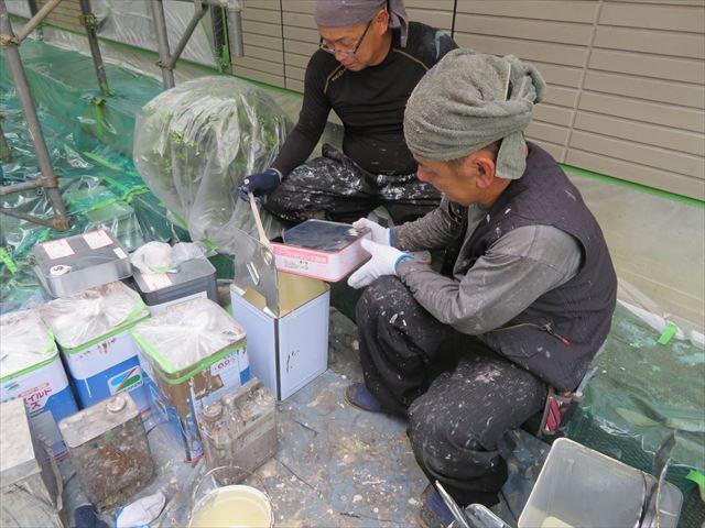 塗料の調合は塗料メーカー指定量を厳守することで最高の塗膜性能を発揮する