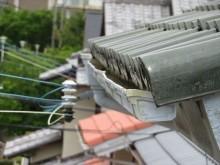 軒先は屋根の先端部分を指しています。軒先の雨どいを軒樋と呼びます。