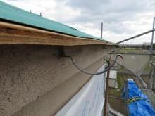 寄棟屋根の大屋根軒先に配置されている軒樋の被害総延長は、22.5mにおよび、竪樋へ流し落とす集水器3箇所も無くなっています。