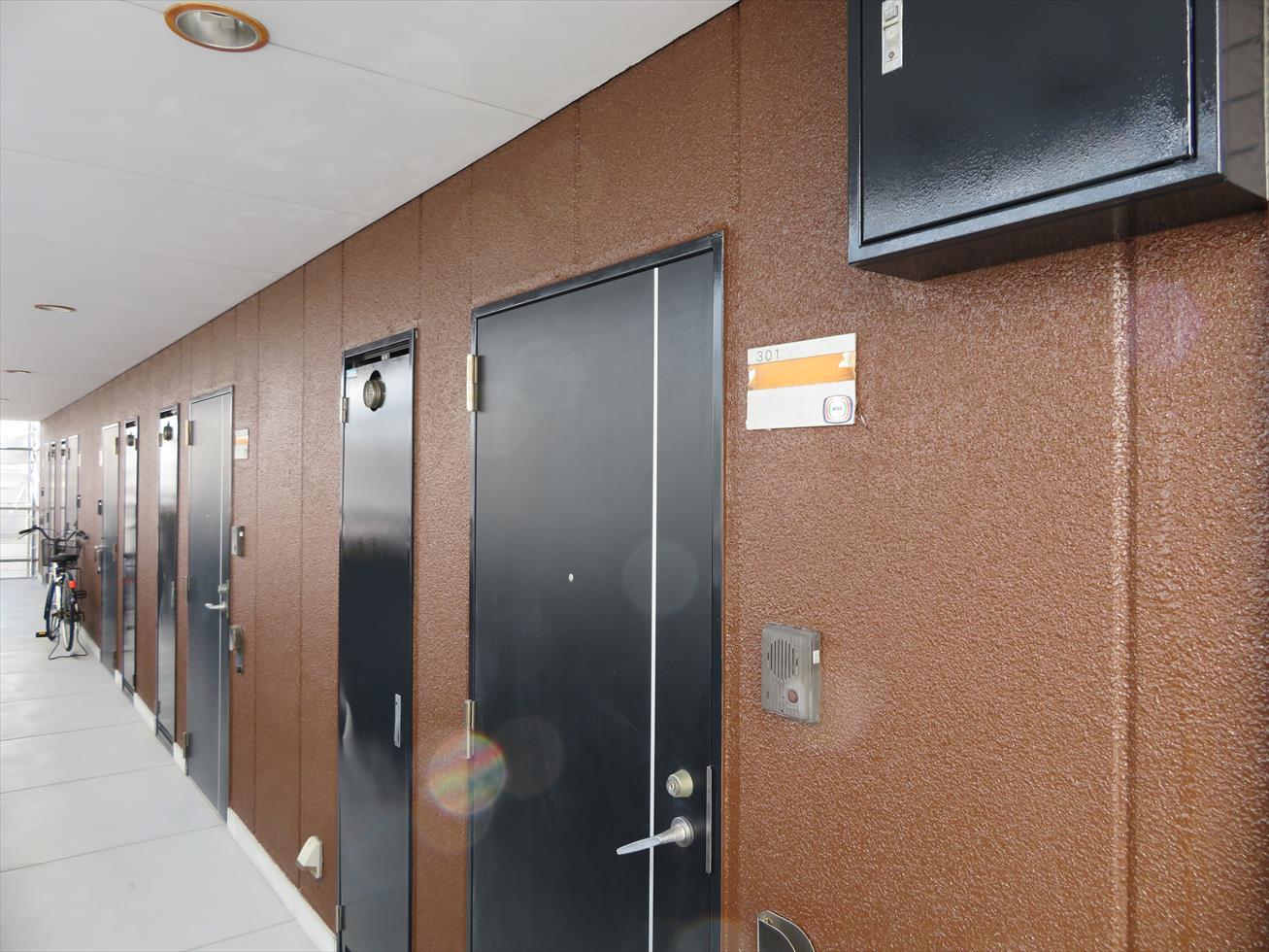 宝塚市のマンション大規模修繕工事で外壁塗装、鉄部塗装、樹脂部塗装、防塵塗装、コーキング打ち替え工事が完了した