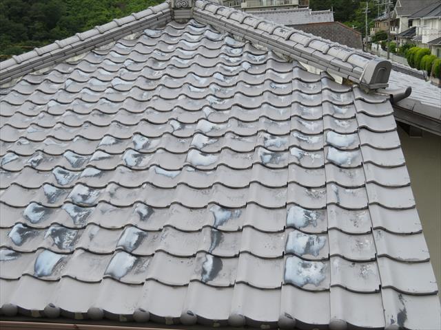 瓦屋根は地震に弱いと言うのは偏った認識で、防災瓦工法の瓦屋根は地震に強く風害も受けにくい