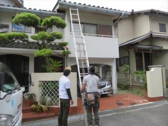 宝塚市で屋根点検をして欲しい方は、街の屋根やさん宝塚店が屋根仕事をしている時に遠慮なく声をかけてもらって結構です。