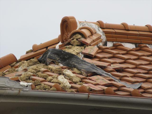 平瓦よりも棟瓦、熨斗瓦に被害が集中した