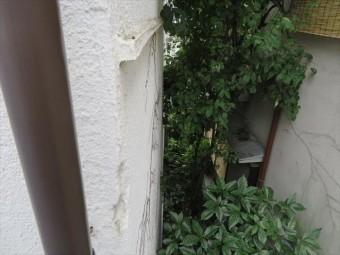 隣家の敷地内に足場架設を頼むと、塗料の影響が庭木に出るから嫌だと拒否された