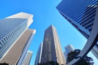 長周期地震動は建物固有の振動周期と地震動の波長が同調した時振幅が大きくなるので高層ビルの頂上は何メーターも揺れる