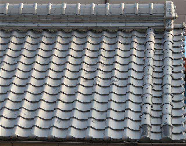 日本瓦屋根の風格を表す箕の甲屋根