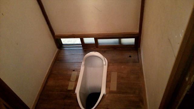 「ぼっとん便所」って表現は聞かなくなり、ほとんどの家庭のトイレは水洗式の時代です。