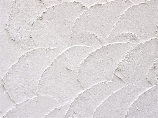 モルタル外壁は漆喰塗のような風合いを出すこともでき、現代的なものや伝統的なものまで対応ができる