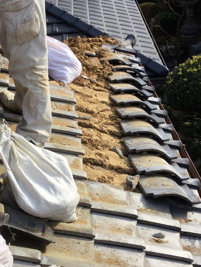 日本瓦、洋風瓦屋根の葺き土の役割は二次防水