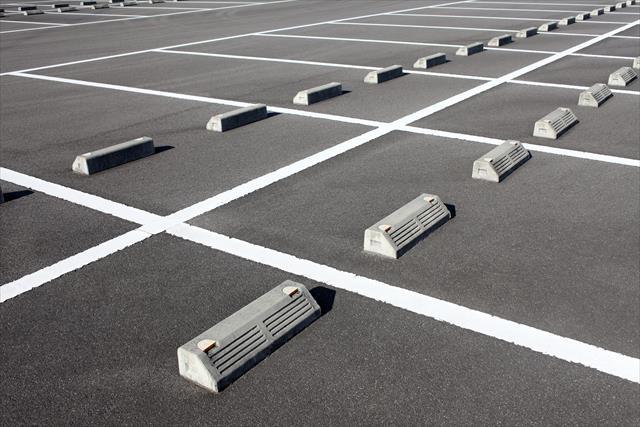 高槻市で屋根葺き替え工事現場のガレージ土間と擁壁を崩した真の原因